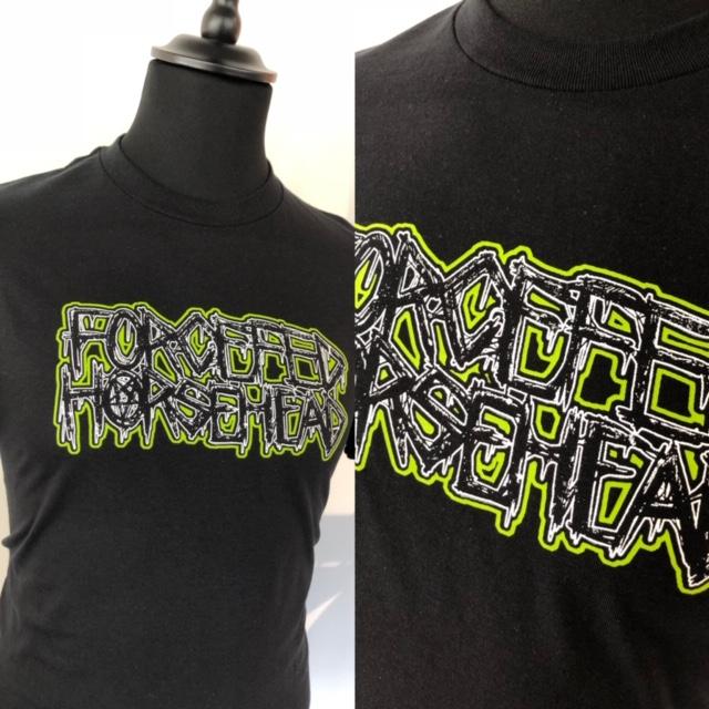 t-skjorte med bandlogo